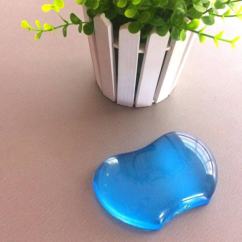 KLW-4027T Silicone Gel Wrist Rest Cushion Heart-shaped Translucence Ergonomic Mouse Pad